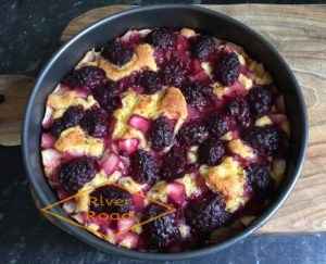 Baked fruity cake