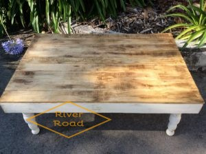 Farmhouse Style Pallet Coffee Table